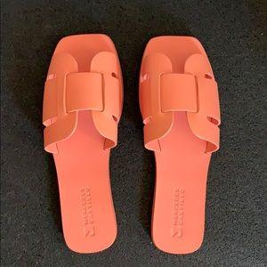NEW Mercedes Castillo Coraline Sandal